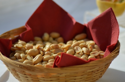 Corbeille de cacahuètes