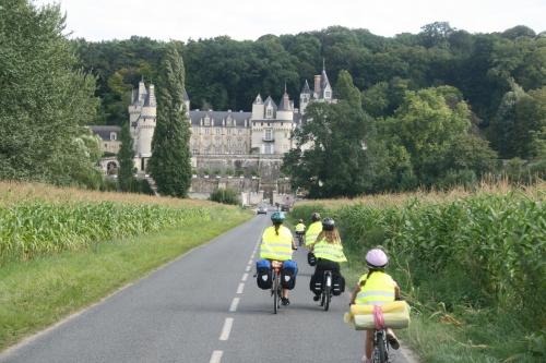 Cyclistes avec gilets jaunes